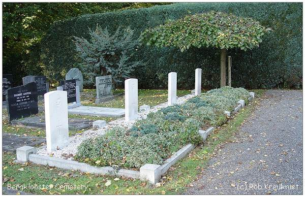 Zwolle - Bergklooster Cemetery - photo by Rob Kreukniet - 14 Oct 2008