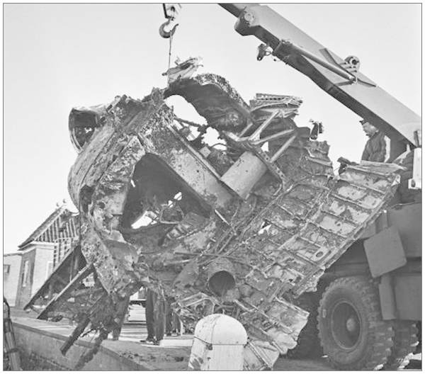 The wreckage of Stirling BF383 in Enkhuizen - Rear-fuselage section recovered on 06 Nov 1965