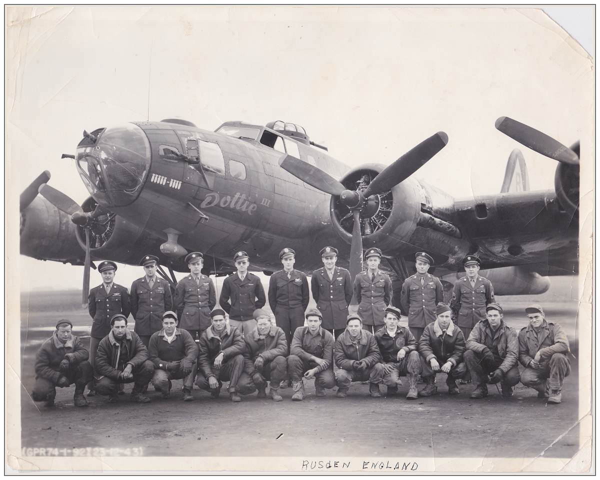 23 Dec 1943 - Combat and Ground Crew in front of B-17F 'Dottie III' at Rushden, England