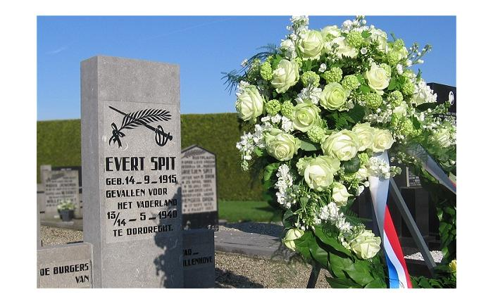 Memorial - Evert Spit - Cemetery Vollenhove - 5 May 2008