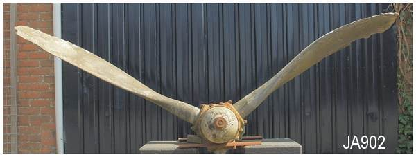 Propeller - JA902 - photo by Hans Hollestelle - 03 May 2013