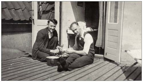 Paddy Coyne and Bill Cottam peeling potatoes at Simon de Cock's house