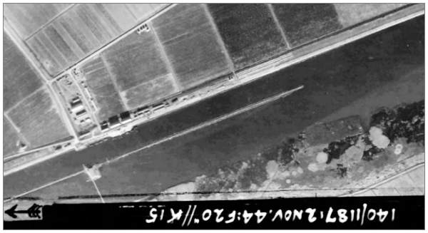 'Ramspol' - RAF aerial photo #3085 - 02 Nov 1944 - 'Ramspol' left under
