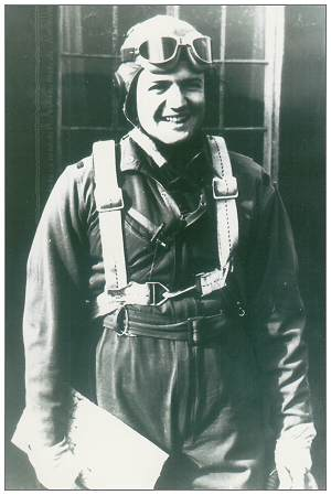 17063566 - O-730694 - Captain Terrence MacFarlane Williams - in flying clothes