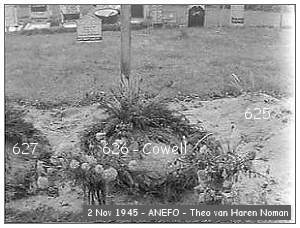 Vollenhove - Cemetery - 02 Nov 1945 - beeldbank #901-0094 - ANEFO by Theo van Haren Noman