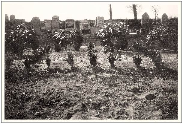 1946 - Vollenhove General Cemetery - grave 627 - Weatherill - grave 626 - Cowell