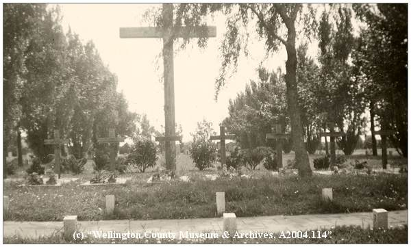 Workum Cemetery - Commonwealth War Graves - 26 Jun 1946 - photo by Phil. van Tol